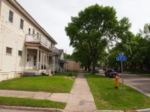 The intersection of 2nd Avenue North and North 9th Street in Grand Forks, North Dakota. Photo from June 12, 2013.