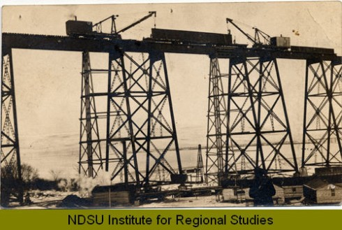 A historic photo of the construction of the High Line. Photo from Digital Horizon's, NDSU Institute for Regional Studies.