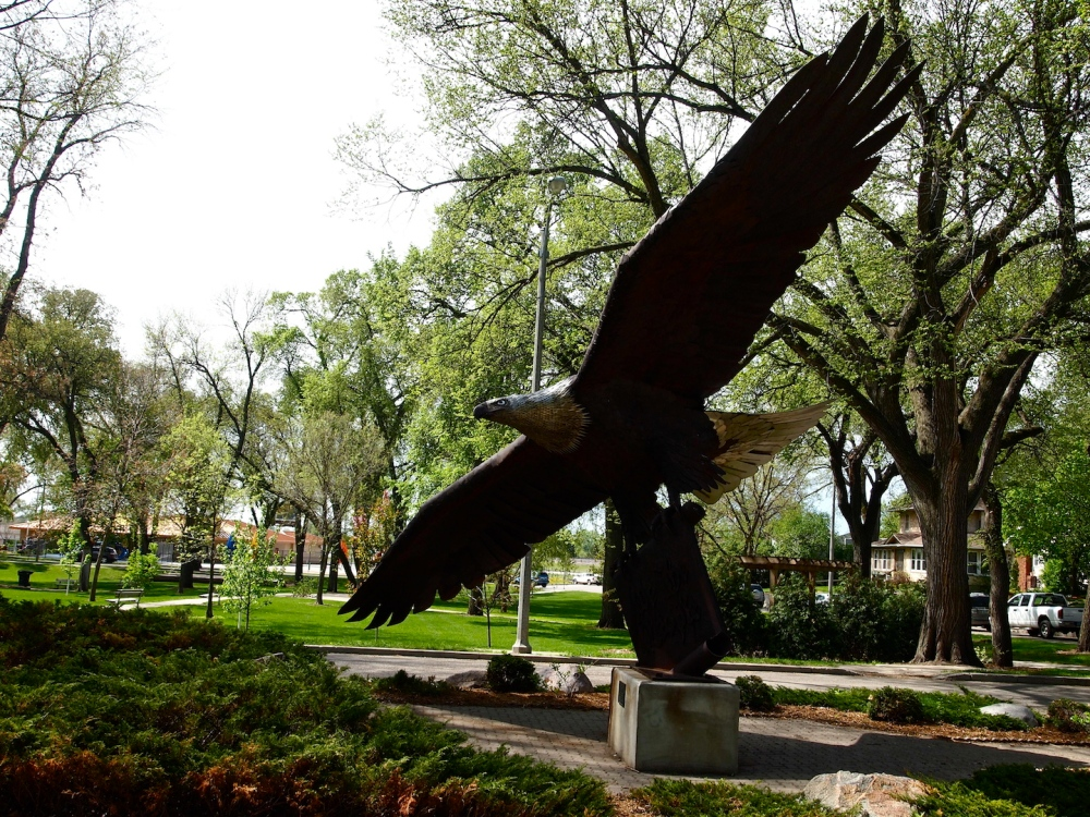 When the Eagle Statue Landed in Bismarck (1/2)