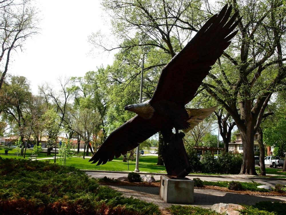 When the Eagle Statue Landed in Bismarck (1/2)